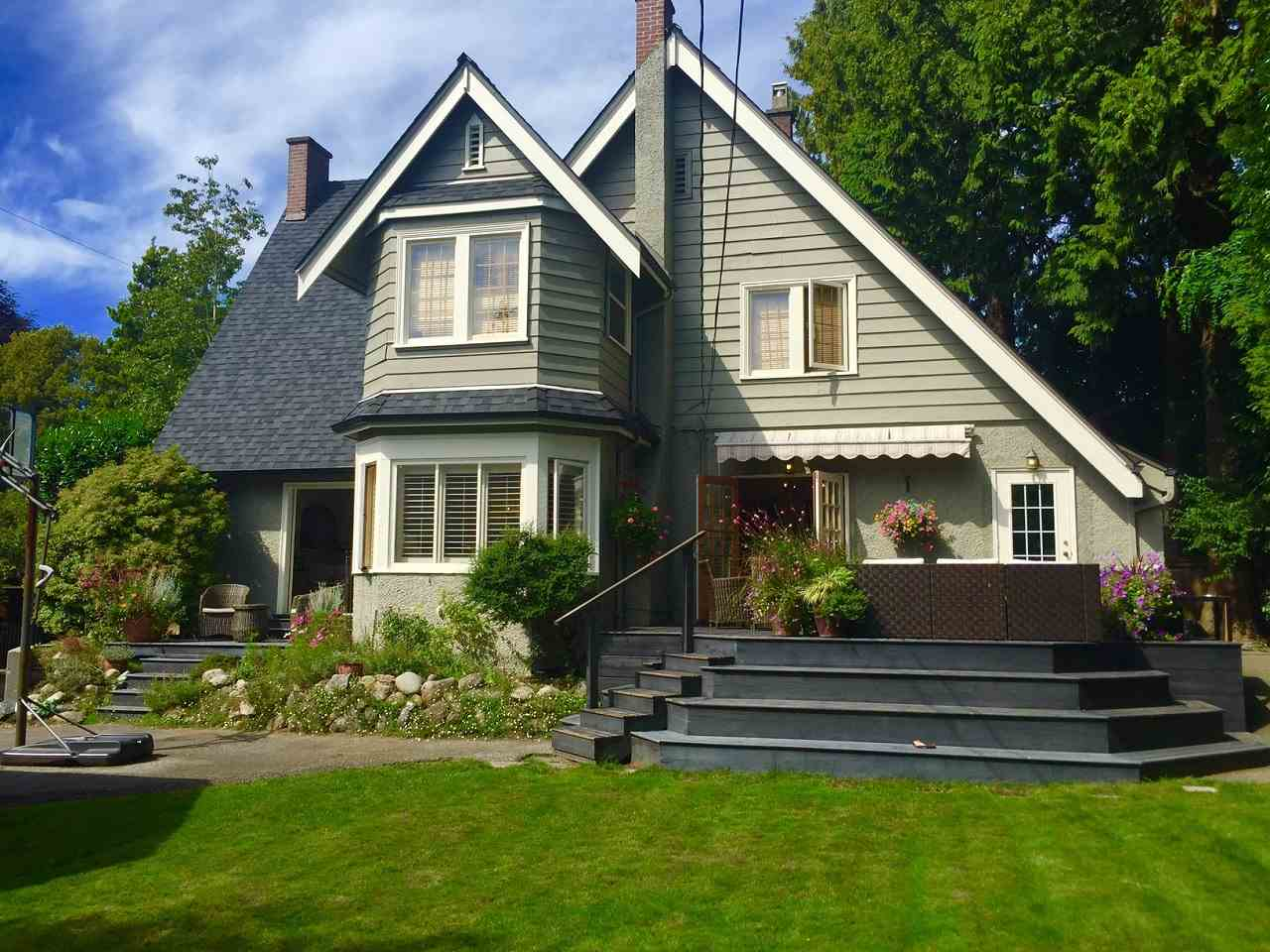 Photo 3: 1538 W 40TH AVENUE in Vancouver: Shaughnessy House for sale (Vancouver West)  : MLS® # R2115759