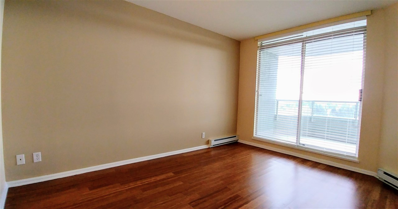 Photo 5: 1101 10082 148TH STREET in Surrey: Guildford Condo for sale (North Surrey)  : MLS(r) # R2153457