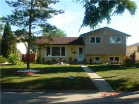 Main Photo: 361 SOUTHALL Drive in Winnipeg: Residential for sale (Canada)  : MLS(r) # 1114484