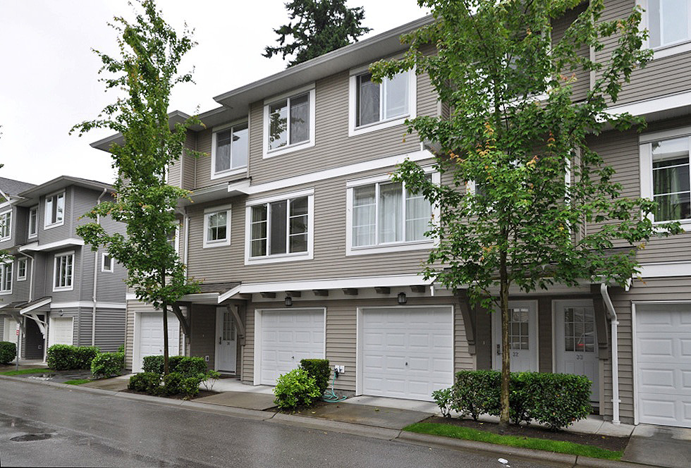 "Main Photo: 31 15155 62A Avenue in Surrey: Sullivan Station Townhouse for sale in ""Oaklands"" : MLS® # F1217352"