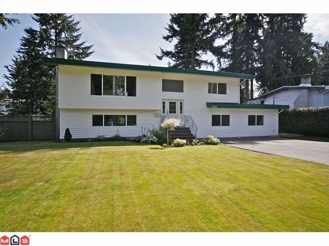 "Main Photo: 20760 39TH Avenue in Langley: Brookswood Langley House for sale in ""BROOKSWOOD"" : MLS® # F1219961"