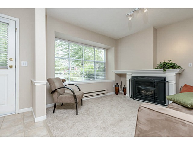 Photo 3: # 6 12099 237TH ST in Maple Ridge: East Central Condo for sale : MLS® # V1079455