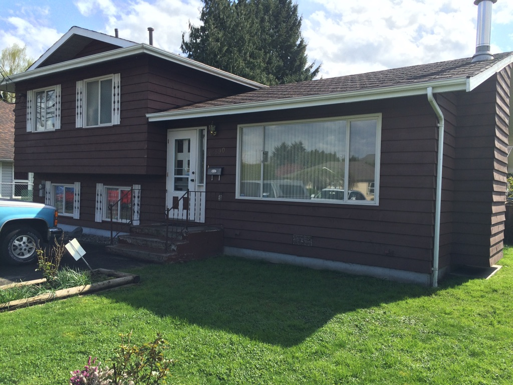 Photo 1: 45590 Bernard Avenue in Chilliwack: Chilliwack E Young-Yale House for sale : MLS® # H2151237
