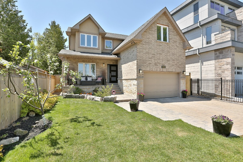 Main Photo: 848 Goodwin Road in Mississauga: Freehold for sale : MLS® # W3213154