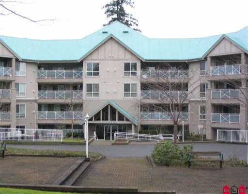 "Main Photo: 305 15150 29A AV in White Rock: King George Corridor Condo for sale in ""Sands 11"" (South Surrey White Rock)  : MLS® # F2602319"