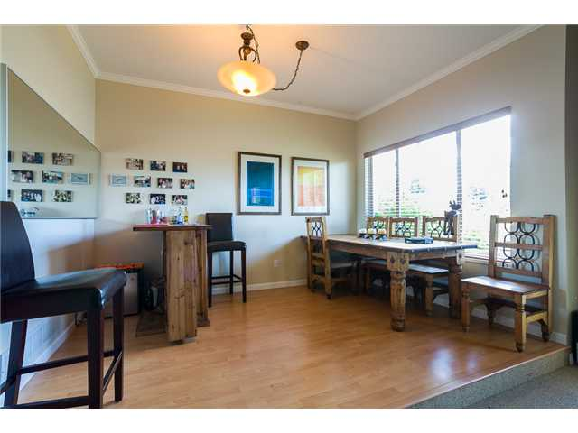 Photo 4: 1545 MAHON AV in North Vancouver: Central Lonsdale Condo for sale : MLS(r) # V1014249