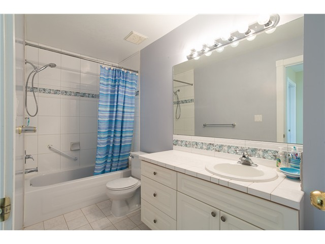 Photo 11: 1545 MAHON AV in North Vancouver: Central Lonsdale Condo for sale : MLS(r) # V1014249
