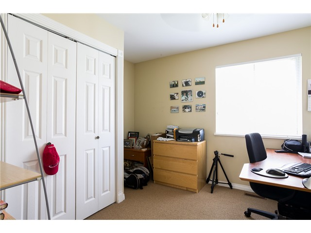 Photo 10: 1545 MAHON AV in North Vancouver: Central Lonsdale Condo for sale : MLS(r) # V1014249