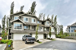 Main Photo: 82 7780 170 STREET in Surrey: Fleetwood Tynehead Townhouse for sale : MLS®# R2007658