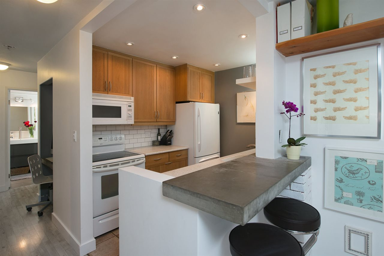 Photo 16: 110 555 W 14TH AVENUE in Vancouver: Fairview VW Condo for sale (Vancouver West)  : MLS® # R2059901