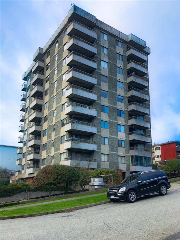 FEATURED LISTING: 204 - 47 AGNES Street New Westminster
