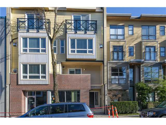 "Main Photo: 205 3736 COMMERCIAL Street in Vancouver: Victoria VE Townhouse for sale in ""Elements"" (Vancouver East)  : MLS(r) # V977814"