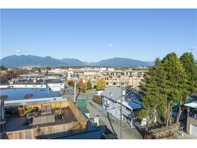 "Photo 10: 205 3736 COMMERCIAL Street in Vancouver: Victoria VE Townhouse for sale in ""Elements"" (Vancouver East)  : MLS(r) # V977814"