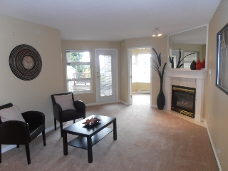 "Main Photo: 303 1999 SUFFOLK Avenue in Port Coquitlam: Glenwood PQ Condo for sale in ""KEY WEST"" : MLS®# V979095"
