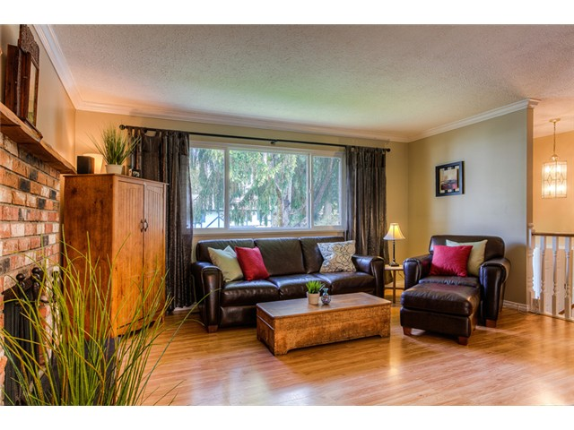 "Photo 8: 3829 CLEMATIS Crescent in Port Coquitlam: Oxford Heights House for sale in ""OXFORD HEIGHTS"" : MLS® # V991507"