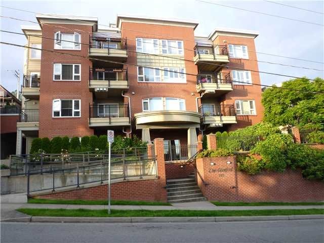 Main Photo: # 407 221 11TH ST in : Uptown NW Condo for sale : MLS® # V958466