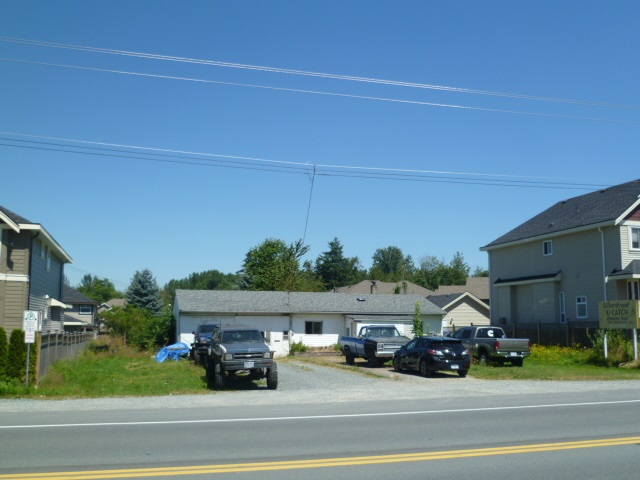 "Main Photo: 27745 FRASER Highway in Abbotsford: Aberdeen House for sale in ""Abderdeen -West Abbotsford"" : MLS®# F1418683"