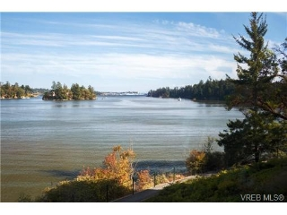Main Photo: 121 485 island Highway in VICTORIA: VR Six Mile Condo Apartment for sale (View Royal)  : MLS® # 341071