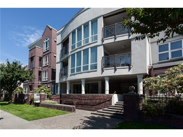 FEATURED LISTING: 308 - 2335 WHYTE Avenue Port Coquitlam