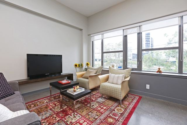 Photo 11: 625 Queen St E Unit #105 in Toronto: South Riverdale Condo for sale (Toronto E01)  : MLS(r) # E3581804