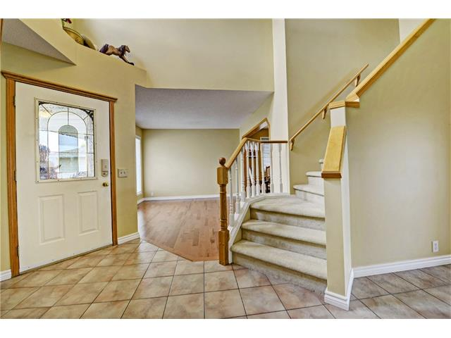 Photo 2: 101 Bridlecreek Park SW in Calgary: Bridlewood House for sale : MLS(r) # C4063316
