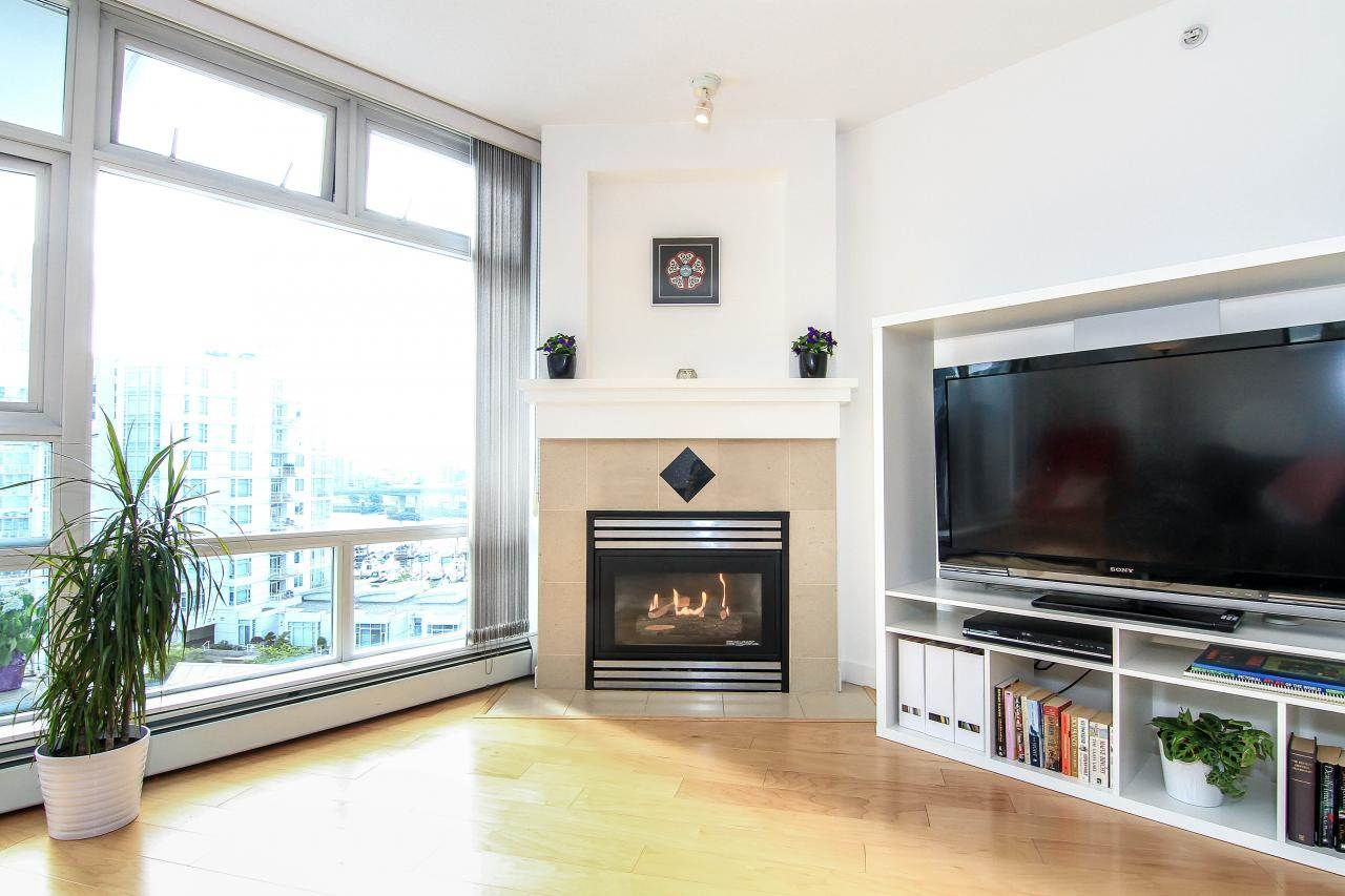 Photo 2: 1005 189 DAVIE STREET in Vancouver: Yaletown Condo for sale (Vancouver West)  : MLS(r) # R2106888