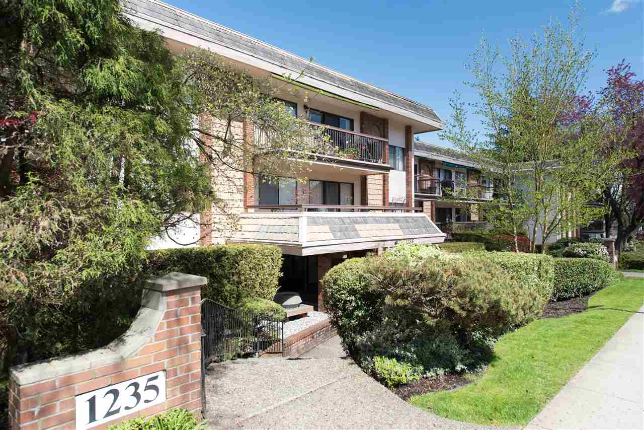 Main Photo: 111 1235 W 15TH AVENUE in Vancouver: Fairview VW Condo for sale (Vancouver West)  : MLS® # R2163528