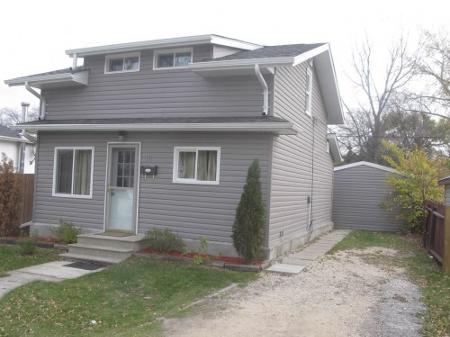 Main Photo: Charming 3 Bedroom 1 & 3/4 Home