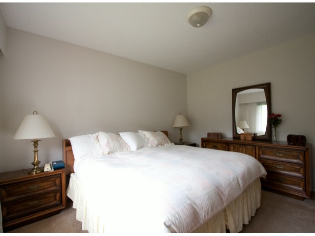 Photo 5: 9769 PRINCESS Drive in Surrey: Royal Heights House for sale (North Surrey)  : MLS® # F1312416