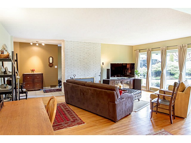 Photo 10: 6250 BUCHANAN ST in Burnaby: Parkcrest House for sale (Burnaby North)  : MLS(r) # V1065690