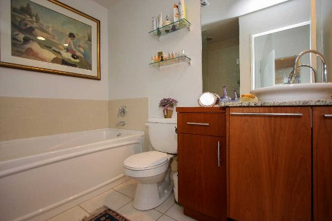 Photo 10: 333 Adelaide St E Unit #701 in Toronto: Moss Park Condo for sale (Toronto C08)  : MLS® # C2917091