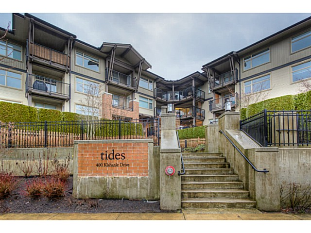 Main Photo: 211 400 Klahanie Drive in Port Moody: Condo for sale : MLS® # V1039706
