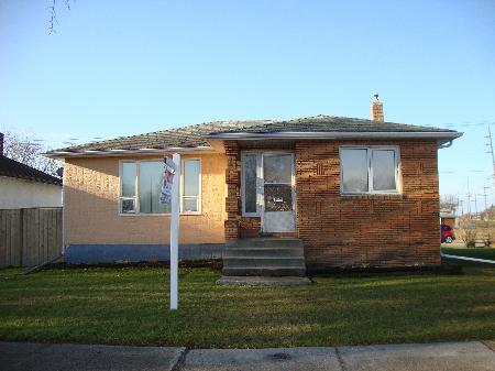 Main Photo: 804 INKSTER Boulevard in Winnipeg: Residential for sale (Canada)  : MLS(r) # 1205276