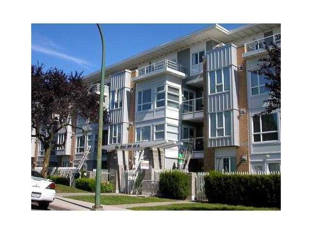 "Main Photo: 311 6198 ASH Street in Vancouver: Oakridge VW Condo for sale in ""THE GROVE"" (Vancouver West)  : MLS® # V975929"