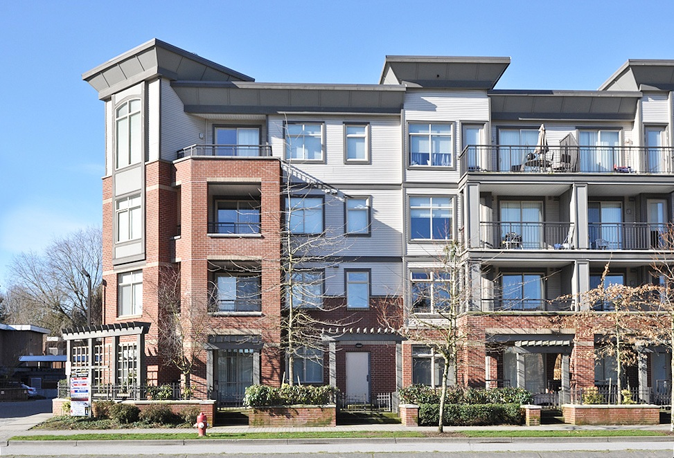 "Main Photo: 218 10499 UNIVERSITY Drive in Surrey: Whalley Condo for sale in ""D'Cor"" (North Surrey)  : MLS®# F1303822"