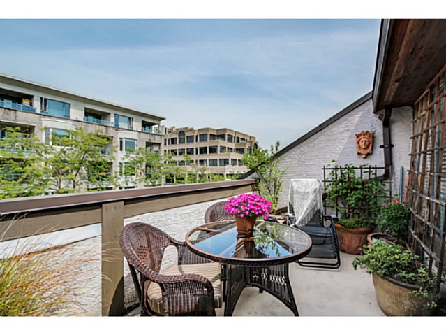 Main Photo: 1724 CYPRESS ST in Vancouver: Kitsilano Condo for sale (Vancouver West)  : MLS® # V1083303