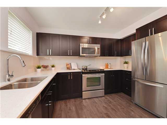 Main Photo: 411 2855 156 STREET in Surrey: Grandview Surrey Condo for sale (South Surrey White Rock)  : MLS(r) # R2090841