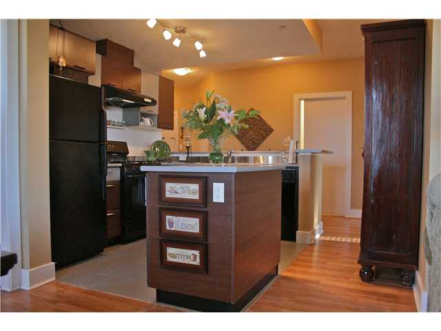 "Main Photo: 103 9233 FERNDALE Road in Richmond: McLennan North Condo for sale in ""RED 2"" : MLS®# V930292"