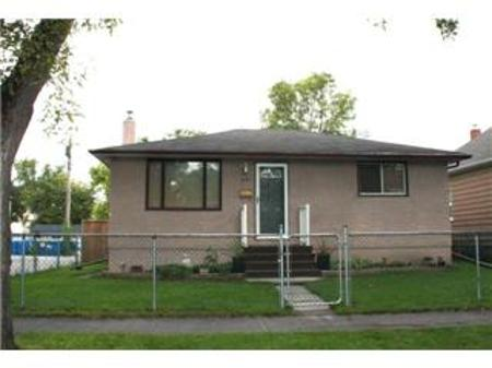 Main Photo: 521 CARLAW Avenue: Residential for sale (Fort Rouge)  : MLS® # 1018447