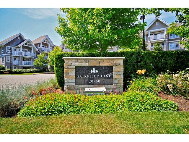 "Main Photo: 413 20750 DUNCAN Way in Langley: Langley City Condo for sale in ""Fairfield Lane"" : MLS® # F1218289"