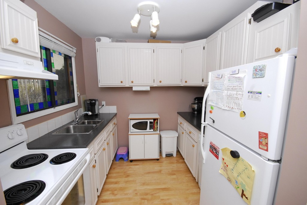 Photo 5: 40 45 W Green Avenue: Penticton Residential Attached for sale (South)  : MLS® # 140777