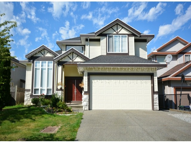 Main Photo: 6869 184A Street in Cloverdale: Cloverdale BC House for sale : MLS(r) # F1320218