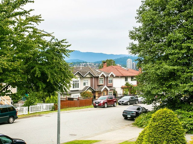 "Photo 16: 120 3770 MANOR Street in Burnaby: Central BN Condo for sale in ""CASCADE WEST"" (Burnaby North)  : MLS(r) # V1073531"