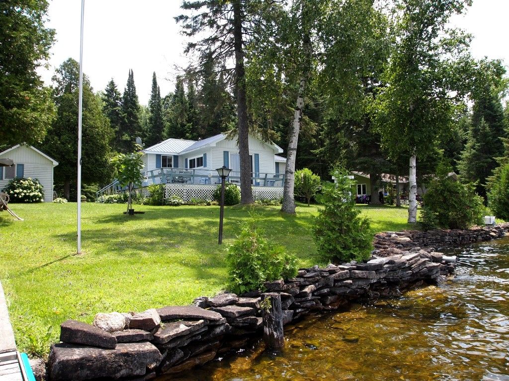 Main Photo: 109 McKelvey Road in Kawartha Lakes: Rural Eldon Freehold for sale : MLS®# X3115364