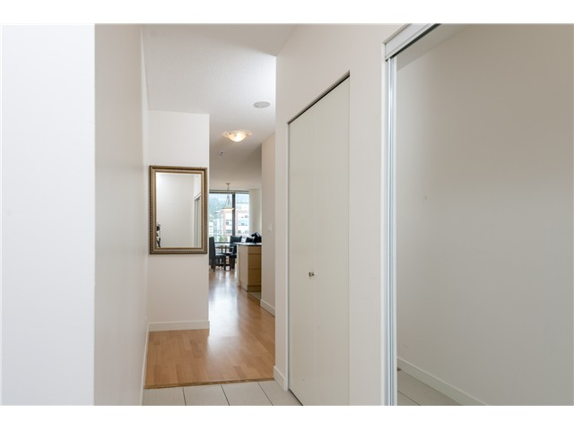 Photo 2: # 408 400 CAPILANO RD in Port Moody: Port Moody Centre Condo for sale : MLS® # V1084044