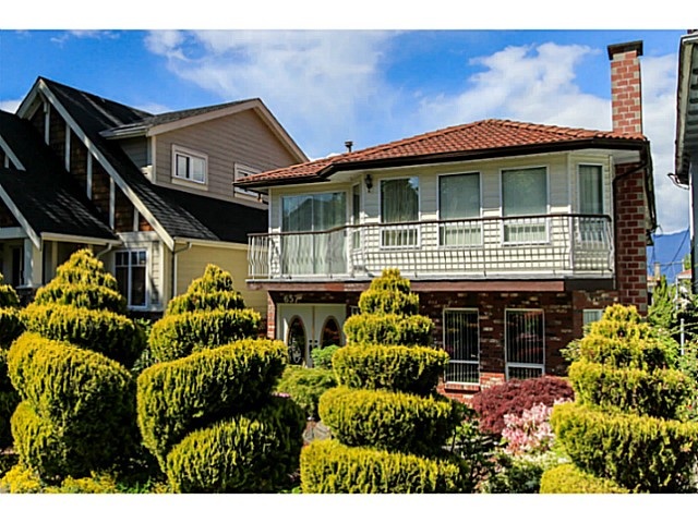 Main Photo: 657 E 30TH AV in Vancouver: Fraser VE House for sale (Vancouver East)  : MLS®# V1125492