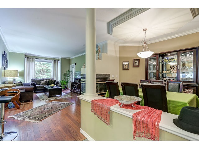 Photo 2: 313 3280 PLATEAU BOULEVARD in Coquitlam: Westwood Plateau Condo for sale : MLS(r) # R2027215