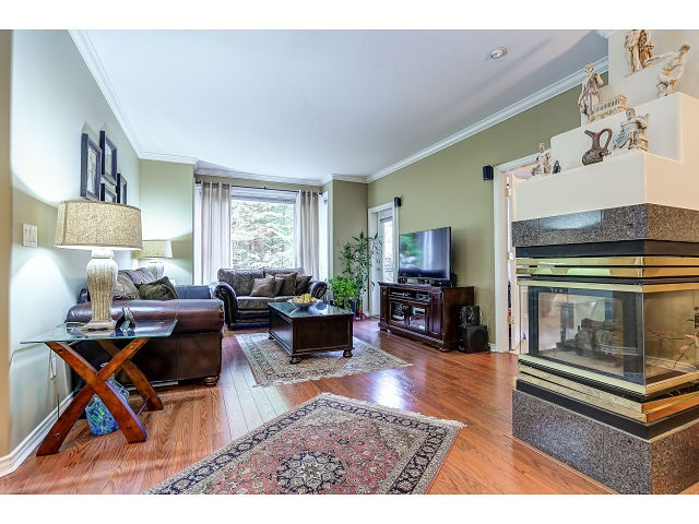 Photo 4: 313 3280 PLATEAU BOULEVARD in Coquitlam: Westwood Plateau Condo for sale : MLS(r) # R2027215