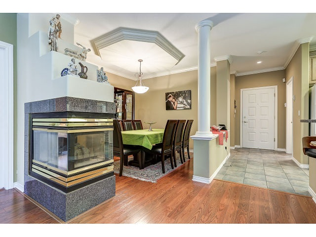 Photo 3: 313 3280 PLATEAU BOULEVARD in Coquitlam: Westwood Plateau Condo for sale : MLS(r) # R2027215
