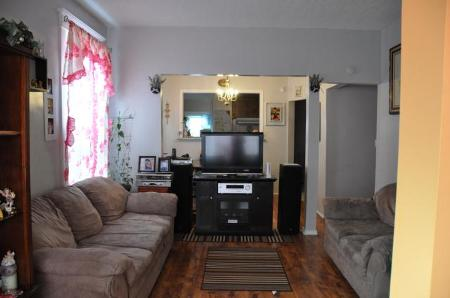 Photo 3: 880 BANNING in Winnipeg: Residential for sale (Canada)  : MLS(r) # 1022230